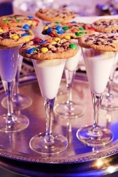 """14.) For kids or kids-at-heart, go for <a href=""""http://freesamples.us/kids-treats-new-years-eve/"""" target=""""_blank"""">cookies and milk</a>, served in a champagne flute."""