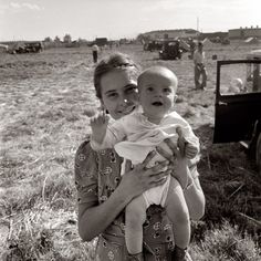 Family of migrant potato pickers in Tulelake, Siskiyou County, California. September 1939.