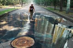 Chalk Art / Street Art Otherworldly images that trick the eye. Author is Wosik, a street artist from Poland. Although he is not as well known as Beever, Wenner or Mueller, his quality work is quickly earning him an admirable reputation! 3d Street Art, Amazing Street Art, Street Art Graffiti, Street Artists, Amazing Art, Awesome, Amazing Things, Trompe L Oeil Art, 3d Sidewalk Art