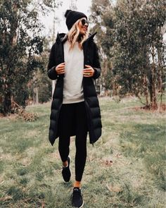winter outfits snow Winter outfit, ski outfit, snow outfit, what to wear in Colorado Winter Outfits For Teen Girls, Fall Winter Outfits, Autumn Winter Fashion, Spring Outfits, Snow Outfits For Women, Winter Style, Winter Wear, Spring Style, Cute Hiking Outfit