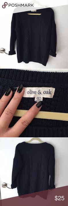 Oversized navy cable knit sweater tag is falling off and there's some light piling (not noticeable), but other than that it's in great condition. has a velvet/suede grey elbow patch. size small, has a perfect oversized fit. warm enough to layer in cold weather or throw on for a lazy day. Olive & Oak Sweaters Crew & Scoop Necks