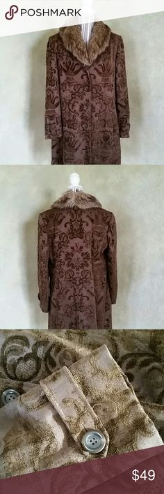 """GIACCA BY GALLERY BROWN PAISLEY COAT *Rich Shades of Brown make up this Paisley    Patterned Coat with a Detachable Faux Fur Collar  *Shell is 35% Polyester, 35% Rayon, 30% Cotton *Size X-Large  *Front Button Close  *Cuffs have Flap with Button  (see photo #3) *Measures 35"""" in Length  *Sleeves are 25"""" *Bust Measurement 22"""" (from armpit to armpit) *NEW WITHOUT TAGS;  NEVER WORN  *No Signs of Wear or Other Defect  *From A Smoke Free, Pet Free Environment GIACCA BY GALLERY  Jackets & Coats"""