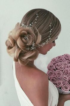 36 Vintage Wedding Hairstyles For Gorgeous Brides ❤️ vintage wedding hairstyles volume low bun with curls and crystal accessories ulyana aster Vintage Wedding Hair, Wedding Hair Flowers, Flowers In Hair, Best Wedding Hairstyles, Formal Hairstyles, Diy Hairstyles, Bridal Hairstyles, Hairstyle Ideas, Bridal Updo