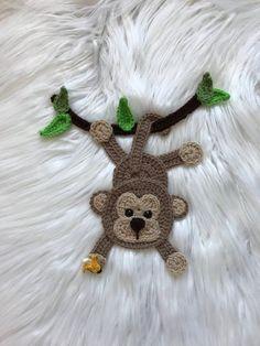 How to Crochet a Bear - Crochet Ideas Crochet Bird Patterns, Giraffe Crochet, Crochet Bunny Pattern, Crochet Birds, Crochet Unicorn, Crochet Motifs, Applique Patterns, Cute Crochet, Crochet Animals