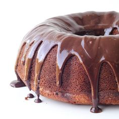 BigBanana Bundt Cake bursting with bananas, warm spices and drizzled with deliciously creamy Nutella ganache. Perfect for entertaining!