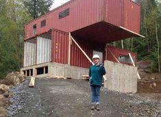 Construire une maison peut vite revenir à cher. C'est pour cela que certains optent pour des solutions d'aménagement fiables et peu chères pour arriver à leurs fins. C'est ce qu'a faitClaudie Dubreuilqui habite à Mirabel, une ville québécoise à 30 kilomètres au nord de Montréal. Elle a acheté 4 containers autrefois destinés au transport de …