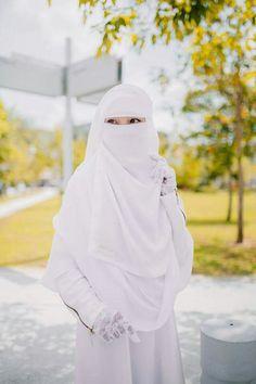 Muslim Beauty, Face Veil, Hijabi Girl, For Your Eyes Only, Beautiful Hijab, Niqab, Love Story, Feminine, Elegant