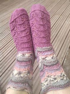 yllegarn från Lidl Lidl, Socks, Fashion, Stockings, Moda, Fashion Styles, Sock, Fashion Illustrations, Boot Socks