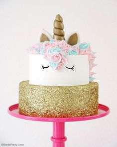 How To Make a Unicorn Birthday Cake - step-by-step tutorial recipe to make a stunning, trendy unicorn cake for your child's birthday - It's easier than it looks! Diy Unicorn Birthday Cake, Birthday Cake Girls, Unicorn Birthday Parties, Unicorn Cakes, Unicorn Party, Kids Cooking Party, Birthday Desserts, Diy Cake, Girl Cakes