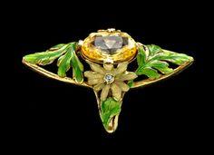 ART NOUVEAU Ring Gold, yellow sapphire, enamel & diamond H. in) Marks: Eagle's head & indistinct signature French, Bijoux Art Nouveau, Art Nouveau Ring, Art Nouveau Jewelry, Jewelry Crafts, Jewelry Art, Fine Jewelry, Jewelry Design, Unusual Jewelry, Enamel Jewelry