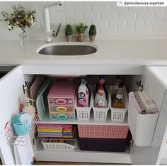 apartment ideas Inventive bathroom storage ideas facilitated 49 - Home Design Ideas Casino Bac-A-Rat Apartment Kitchen Organization, Bathroom Organisation, Room Organization, Bathroom Storage, Home Decor Kitchen, Home Kitchens, Diy Home Decor, Kitchen Sink, Regal Bad