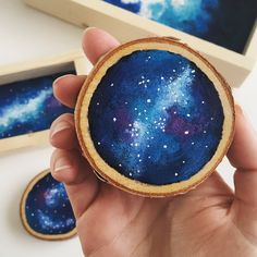 Well, it's kinda gross in Baltimore today, but don't let this weather get you down. Wood slice galaxy magnets are here! Grab a set of these cuties in my now! Galaxy Painting, Galaxy Art, Wood Pallet Art, Wood Art, Watercolor On Wood, Painting On Wood, Magnet Drawing, Coaster Crafts, Painted Wine Glasses