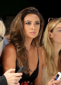 Laia??? Shay Mitchell Pictures - Zimmermann - Front Row - Mercedes-Benz ...