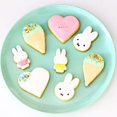 Very cute Miffy birthday idea! Milk Cookies, Iced Cookies, Fun Cookies, Miffy Cake, Little Potatoes, Bunny Party, Cata, Toddler Gifts, Party Items