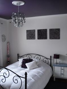 I like the purple ceiling with the whimsical silver chandelier. Purple Ceiling, Colored Ceiling, Dark Ceiling, Bedroom Ceiling, Bedroom Decor, Kids Bedroom, Purple Bedrooms, White Walls, White Doors