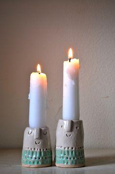 Candlesticks smilin' & passin' it on.