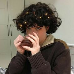 Aesthetic People, Aesthetic Hair, Shot Hair Styles, Curly Hair Styles, Cut My Hair, Hair Cuts, Hair Inspo, Hair Inspiration, Androgynous Hair