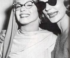 monroe glasses Marilyn with