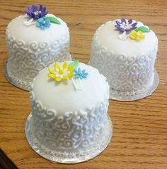 Miniature fruit cakes for my guests Fruit Cakes, Butter Dish, Miniature, Dishes, Sweet, Desserts, Food, Candy, Tailgate Desserts