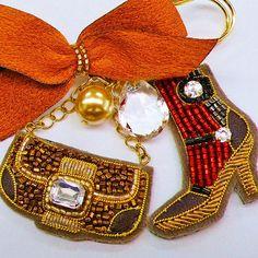 #beading #bead #hautecouture #handmade #accessory #embroidery #sequin #swarovski #art #school #lesson #cute #pretty #kawaii #fashion #mode #colorful #style #ビーズ刺繍 #ハンドメイド #スパンコール #刺繍教室 #刺繍 #手芸 #お稽古 #オートクチュール #ファッション #モード