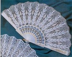 Crochet fan ♥LCF-MRS♥ with diagram ----abanico a ganchillo con diagram Crochet Gloves, Thread Crochet, Crochet Doilies, Crochet Home, Irish Crochet, Cross Stitch Patterns, Crochet Patterns, Vintage Fans, Crochet Diagram