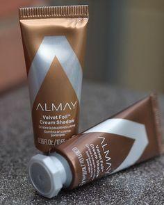 Review : Almay Velvet Foil Cream Shadow | Melanie's Nook Starbucks Iced Coffee, Coffee Bottle, Nook, Corner, Velvet, Community, Cream, Beauty, Creme Caramel
