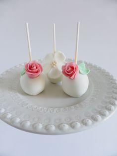 Cakepops para batizado de menina