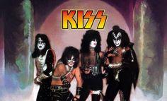 Kiss-Love Gun 1977 Kiss Art, Kiss Pictures, Paul Stanley, Love Gun, Hot Band, Ace Frehley, Gene Simmons, A Good Man, Rock Bands