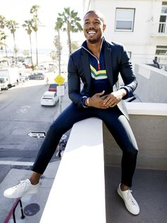 Michael B. Jordan Lands GQ Magazine and Teach Us How To . Black Panthers, Black Man, Boss Leather Jacket, Michael Bakari Jordan, Michael Bastian, What To Wear Today, How To Wear, Mode Man, Streetwear
