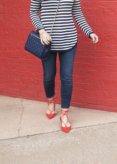 splendid stripe top, red lace up flats, mother jeans