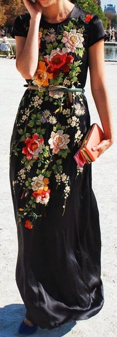Incorporate florals into your wardrobe this summer. Pair a printed maxi with a thin belt to accentuate your figure!