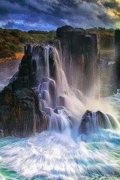 Boneyard Falls - Australia Most Beautiful, Beautiful World, Beautiful Places, Amazing Places, Beautiful Rocks, Beautiful Waterfalls, Beautiful Landscapes, Nova Zelândia, Nature Sauvage