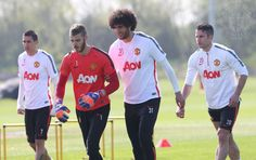 Van Persie back in training after recovering from an ankle injury, alongside Fellaini, De Gea and Di Maria. 24.4.2015