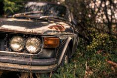 Заброшенная машина в лесах у Портленда