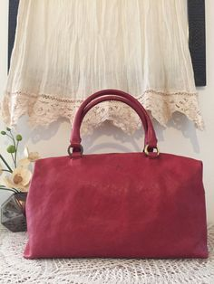 Raspberry red handbag, Red casual satchel, Genuine leather tote bag, Soft leather, Elegant design, Sac à main rouge, Framboise, handtasche