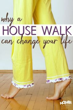 Is your home chaotic, messy, cluttered and out of control? This house walk will change your tired mamas life! This is a great idea-- walk around your home with a critical eye. This could totally work in the classroom as well! Home Organisation, Life Organization, Organization Station, Grand Menage, Konmari, Living At Home, Slow Living, Organizing Your Home, Organizing Ideas