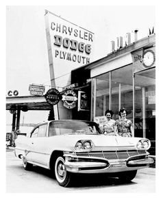 Vintage shots from days gone by! Used Car Lots, New Car Smell, Dodge Power Wagon, Dodge Dart, Best Classic Cars, Us Cars, Dodge Charger, Retro, Plymouth