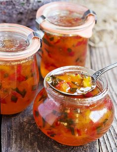Peach and Pepper Jam Sweet peaches pair with red and jalapeno peppers, to make a jam that is both sweet and spicy, delicious and versatile. Peach and Pepper Jam Pepper Jelly Recipes, Hot Pepper Jelly, Canning Pepper Jelly, Jalapeno Jelly, Stuffed Jalapeno Peppers, Habenero Jelly, Chutneys, Salsa Picante, Jam And Jelly