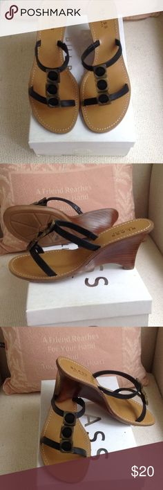 Leather Bill Blass Sandals(Price Reduction) Brand new in box Bill Blass sandals, black leather upper (balance man made ) 3 inch heel. Bill Blass Shoes Sandals