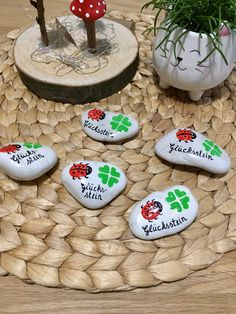 Stone lucky charm Glücksstein / Wish stone fly fungus, lucky beetle, clover leaf guest gift gift table decoration painted hand painted - Stone Lucky Charm Lucky Stone / Wishing Stone Toadstool Wishing Stones, Painted Rocks, Hand Painted, Kids Part, Lucky Stone, Diy Playground, Guest Gifts, Math Concepts, Gift Table