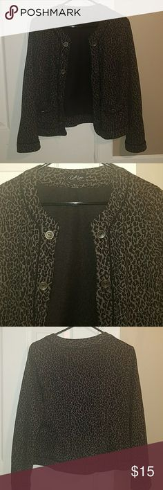 Russell Kemp LG Gray/Black Cheetah Open Blazer Size Large open style blazer with balck and gray cheetah print and galvanized silver buttons on both sides. Features black piping and a square pocket with an additional button on each side. Perfect classy yet comfy work attire.  3/4 sleeves. Hits at or just below the hips. Russell Kemp Jackets & Coats Blazers