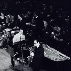1960. The Dave Brubeck Quartet with Dave Brubeck piano, Paul Desmond altsaxofone, Joe Morello drums and Eugene Wright bass perform at the Concertgebouw in Amsterdam. Photo MAI Beeldbank. #amsterdam #1960 #DaveBrubeckQuartet #Jazz #JoeMorello #PaulDesmond #EugeneWright