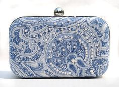 Hey, I found this really awesome Etsy listing at https://www.etsy.com/listing/109878961/blue-white-box-clutch-paramecium-pearl