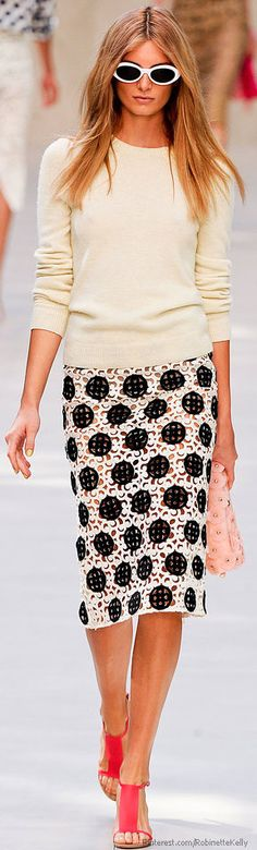 Um if it had a cream or black lining and didn't look do see through I would live this skirt!   Burberry Prorsum | S/S 2014♥✤ | KeepSmiling | BeStayBeautiful