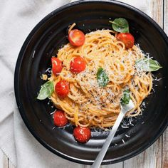 kuchnia włoska - Magazyn Kuchenny Pesto, Spaghetti, Orzo, Dip, Chili, Recipies, Curry, Dinner, Ethnic Recipes