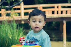 Muito fofinho.... Dennis !! >>> - Ative sua máquina do tempo!! - <<< #hardphotographia #kids #photography #photo #garden #dennis #boy #hard2015 #activateyourtimemachine #fotografia #botanico #urbanphotography #saopaulocity #littleboy #instakids #instaboy #instalittleboy #instababy #baby #babyboy #supermario #supermariobros