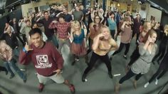 The Big Bang Theory Flash mob! [Full version compilation]. This has to be one of the best ever!!
