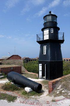 Garden Key (Fort Jefferson) Lighthouse, Florida   at Lighthousefriends.com