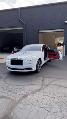 Luxury Cars For Sale, Luxury Car Rental, Best Luxury Cars, Dream Cars, Car Symbols, Royce Car, Lamborghini, Bugatti, Carport Designs