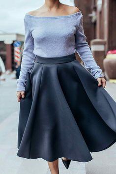 Юбка из неопрена (51 фото): с чем носить, полусолнце, миди, в складку, черная, синяя